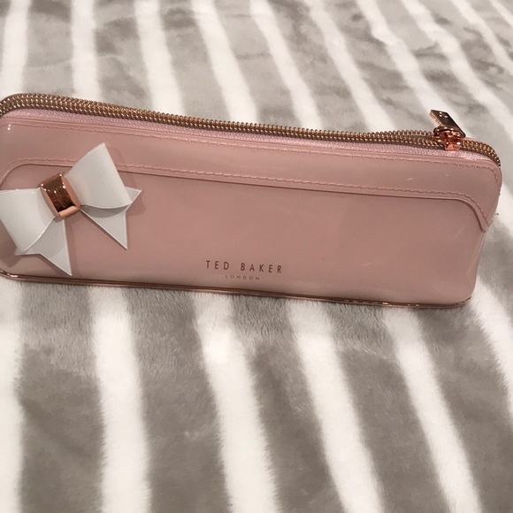 the best attitude eda1a f47fc Ted Baker pouch /pencil case